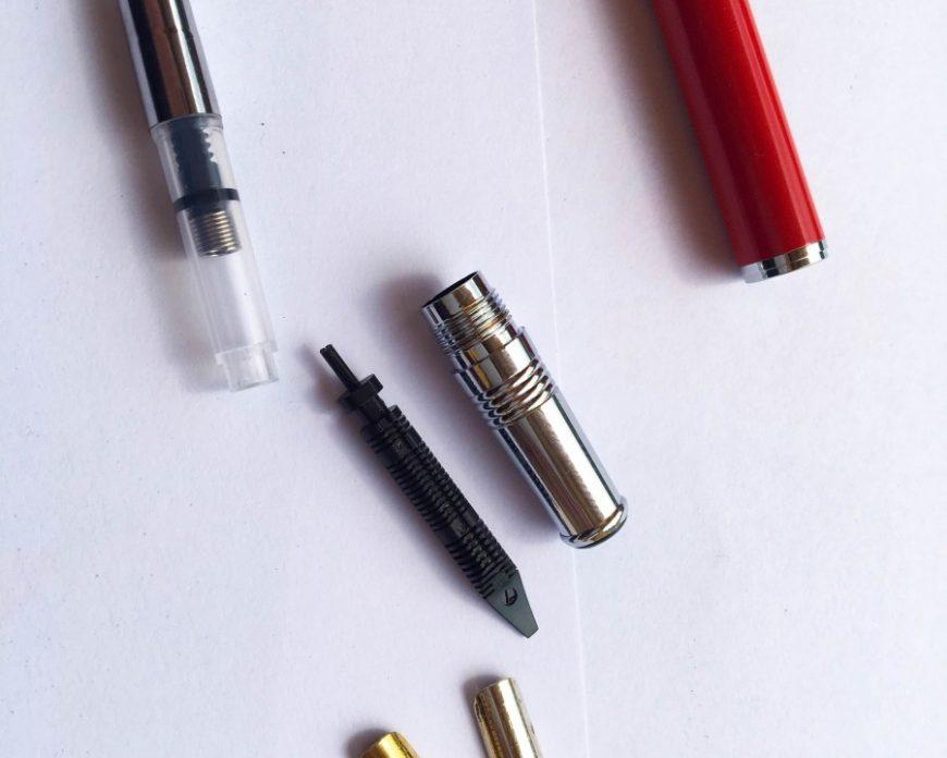thay ngòi bút lá tre