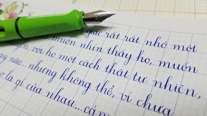 bút luyện chữ đẹp